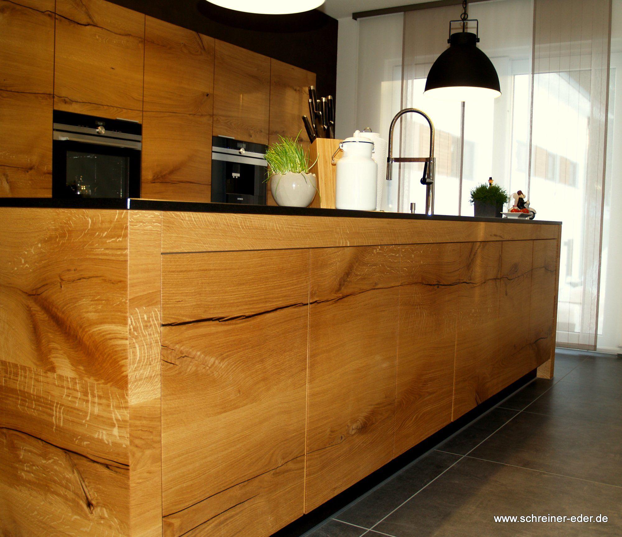 Große Kücheninsel mit Massiholzfront aus Donau Eiche Oberfläche #0: de0f146ea5a0ca38e92bf1f c4