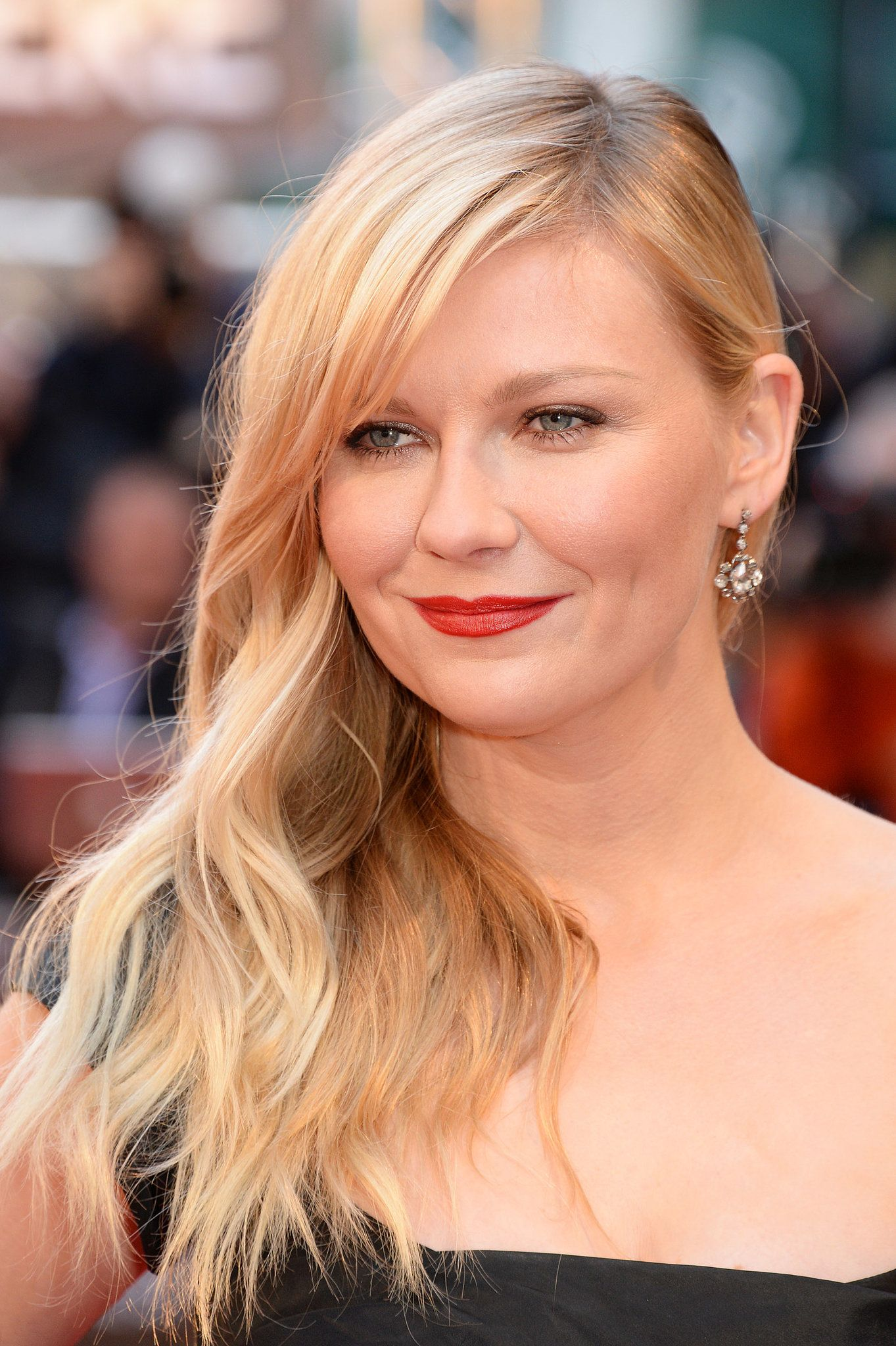 Double side haircut for boys kirsten dunst  kirsten dunst cannes film festival and lips