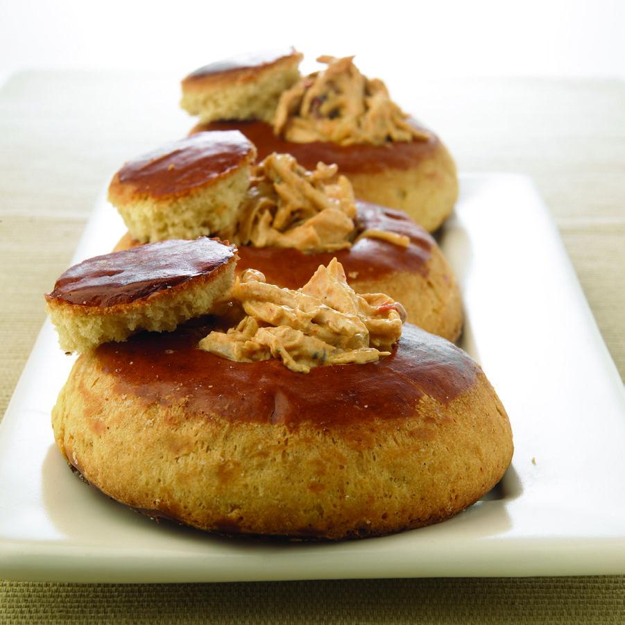Bisquets rellenos de pollo
