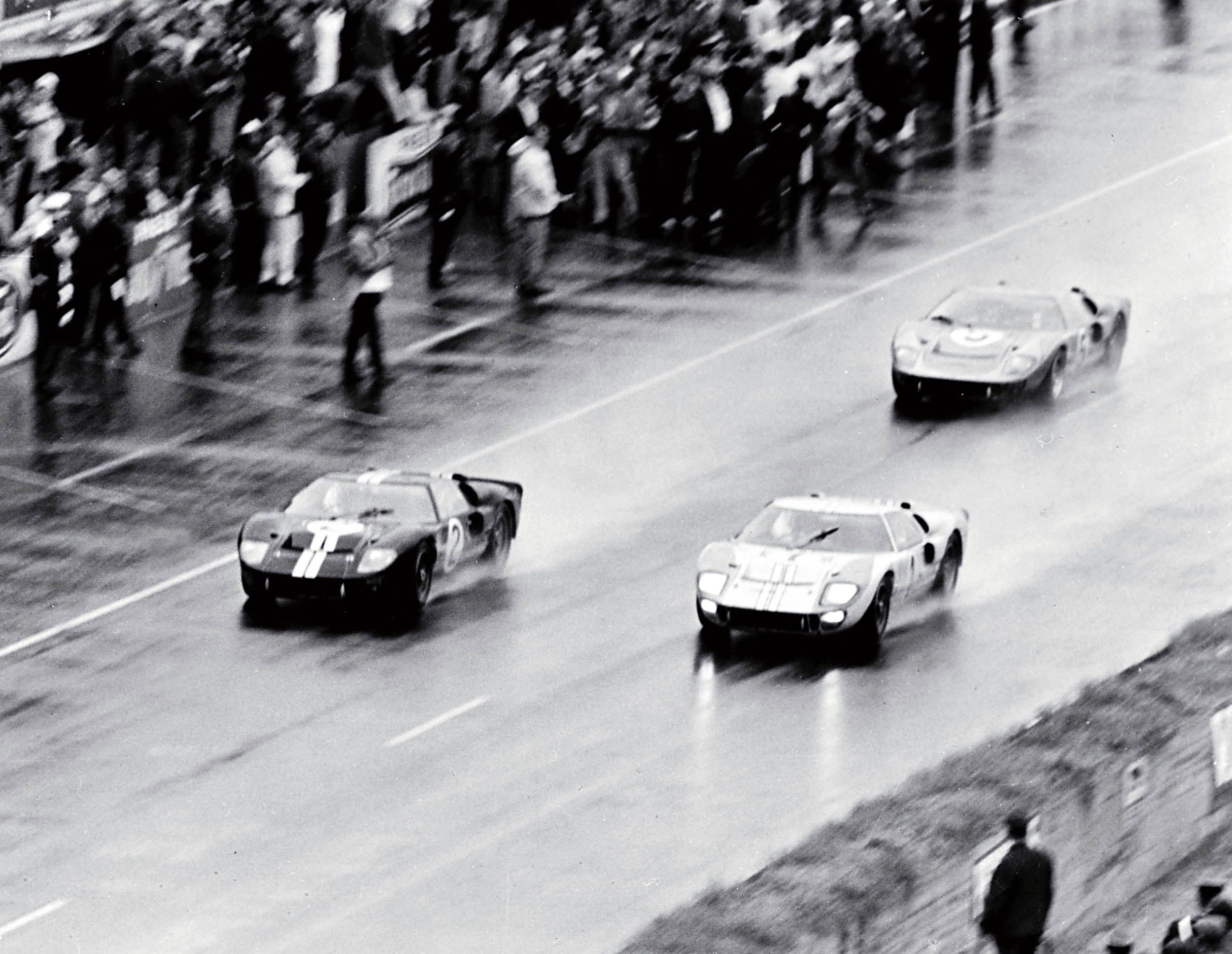Built To Beat Ferrari A 1 2 3 Victory For Shelby American And The Ford Gt40 At The 1966 24 Hours Of Lemans The Ford Gt Would G Ford Racing Ford Gt40 Ford Gt