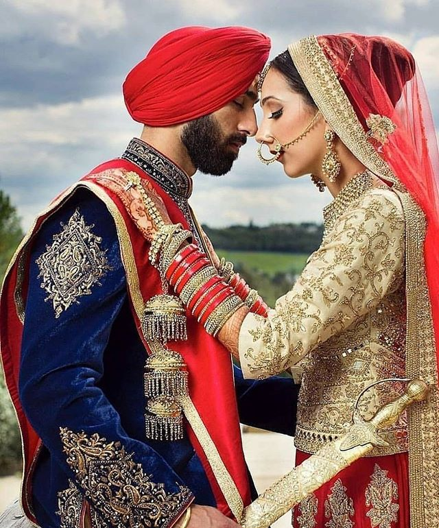 We Re Loving This Close Up Of This Newly Wed Couple Elegant And Romantic Beautiful Indianwedding India Elegant Couple East Asian Fashion Indian Bride