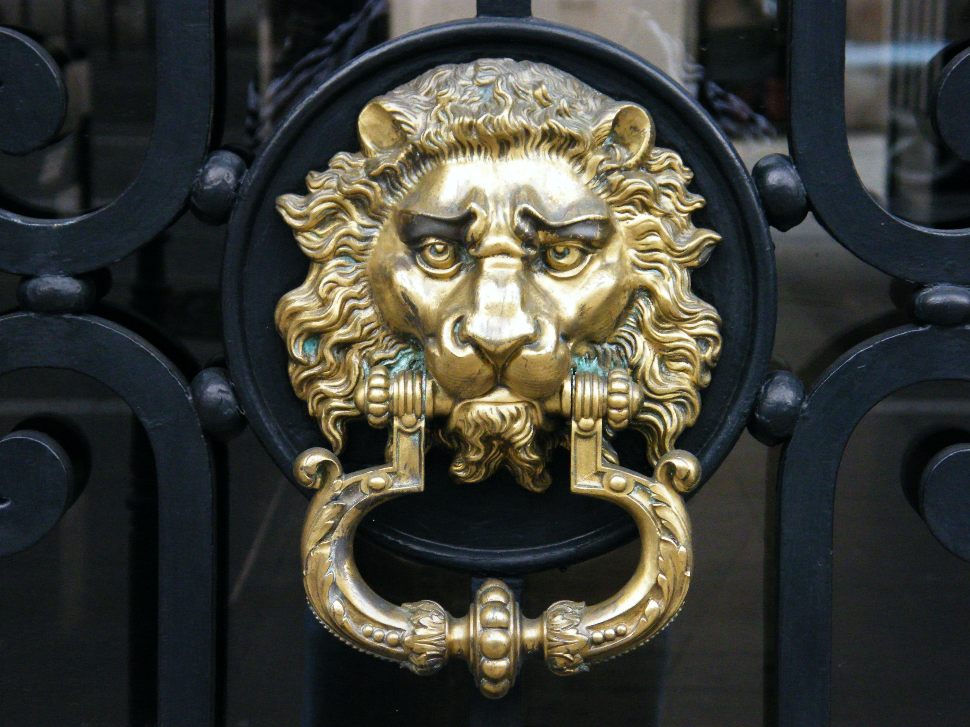 Lion Door Knocker.JPG 3'264 × 2'448 pixels (met afbeeldingen)
