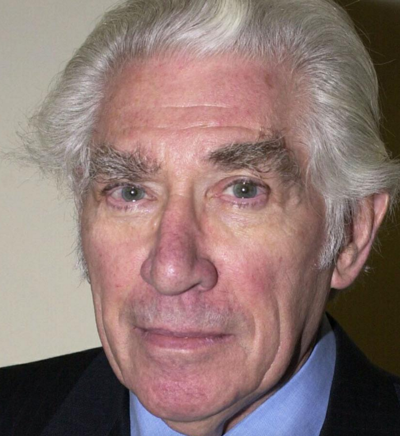 Frank Finlay (August 6, 1926 - January 30, 2016) British actor (known from the series of Doctor Who, The Black Adder and Prime Suspect.