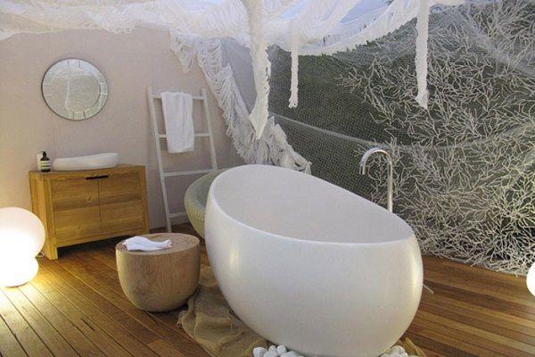 Vasca Da Bagno In Pietra : Le vasche in pietra da interno come da esterno uniscono la