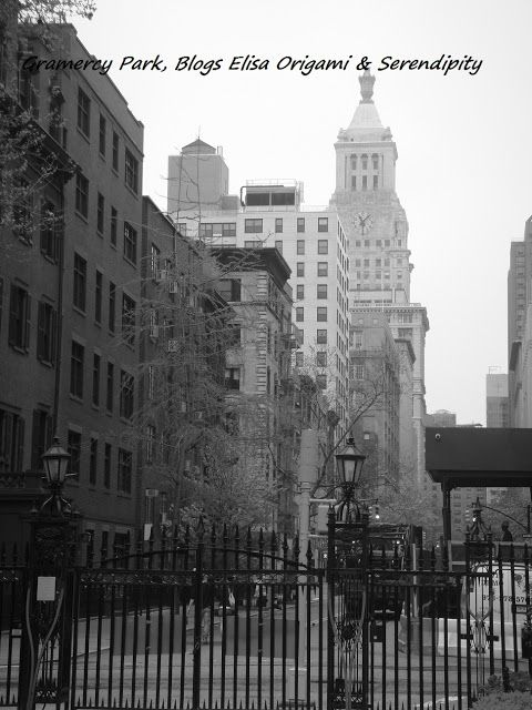 New york en noir et blanc gramercy park everyone 39 s favorite places spaces pinterest - Callejero manhattan ...