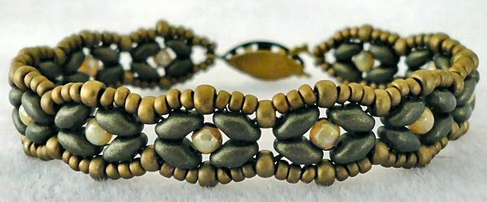 Linda's Crafty Inspirations: Bracelet of the Day: SuperDuo Rosette Variation