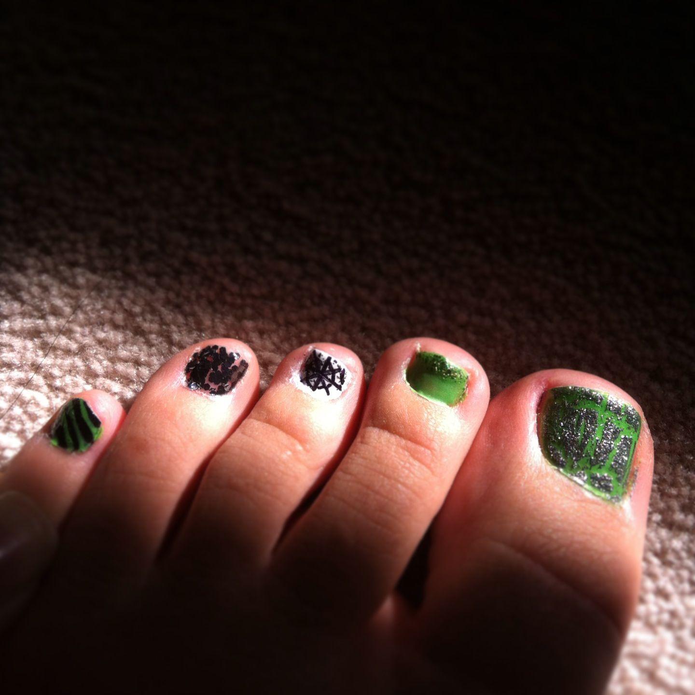 Halloween Toe Nail Art. #nailart | Halloween toe nails ...