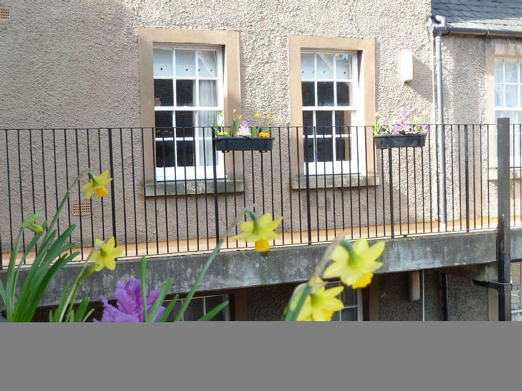 VRBO.com #6859816ha - Castlerock Apartment in Edinburgh ...