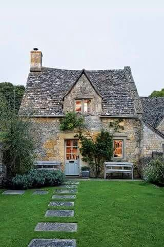 Pin By Marie Prinsloo On Architecture Cotswolds Cottage Stone Cottages Cottage Homes