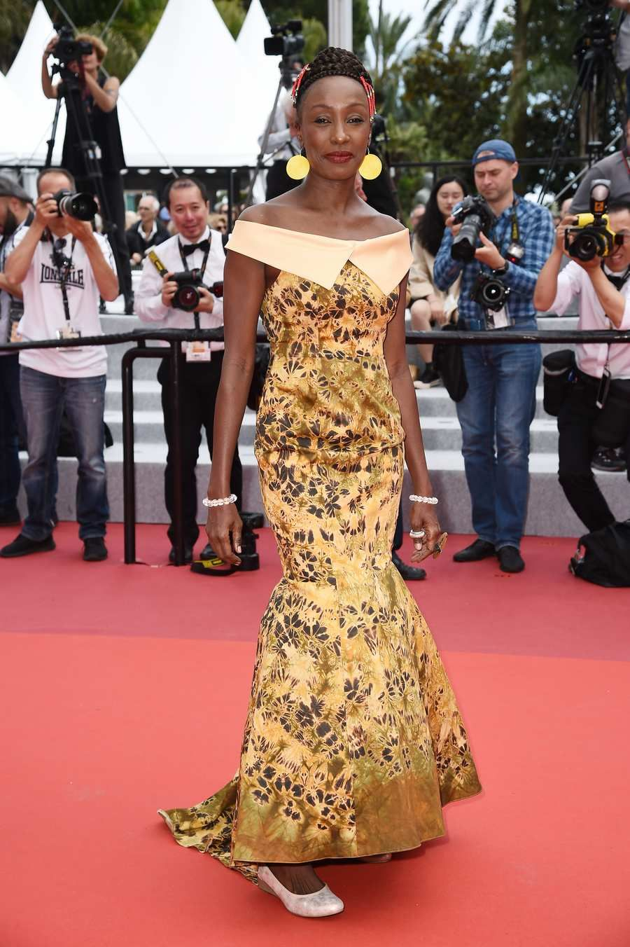 The Cannes Red Carpet Is Having A Very Good Year Peach Gown Fashion Week Cool Outfits