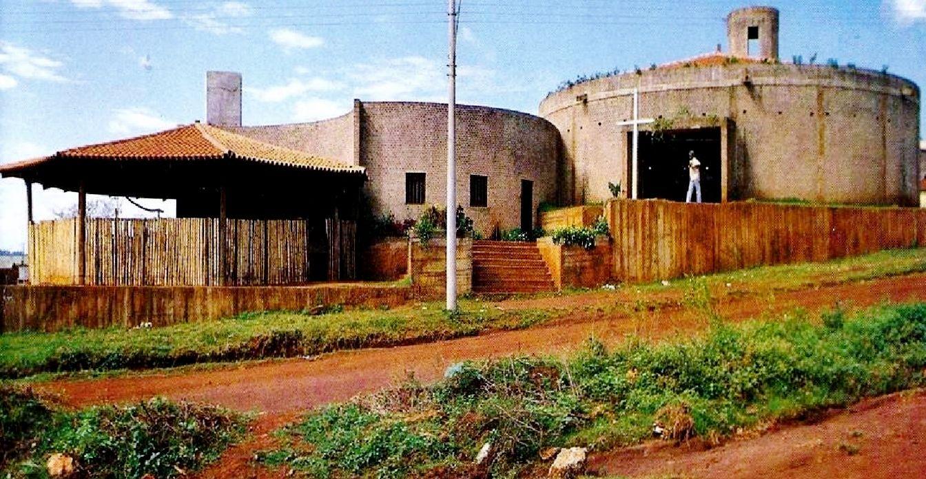 Resultado de imagen de Iglesia del Espíritu Santo do Cerrado, Minas Gerais, 1976