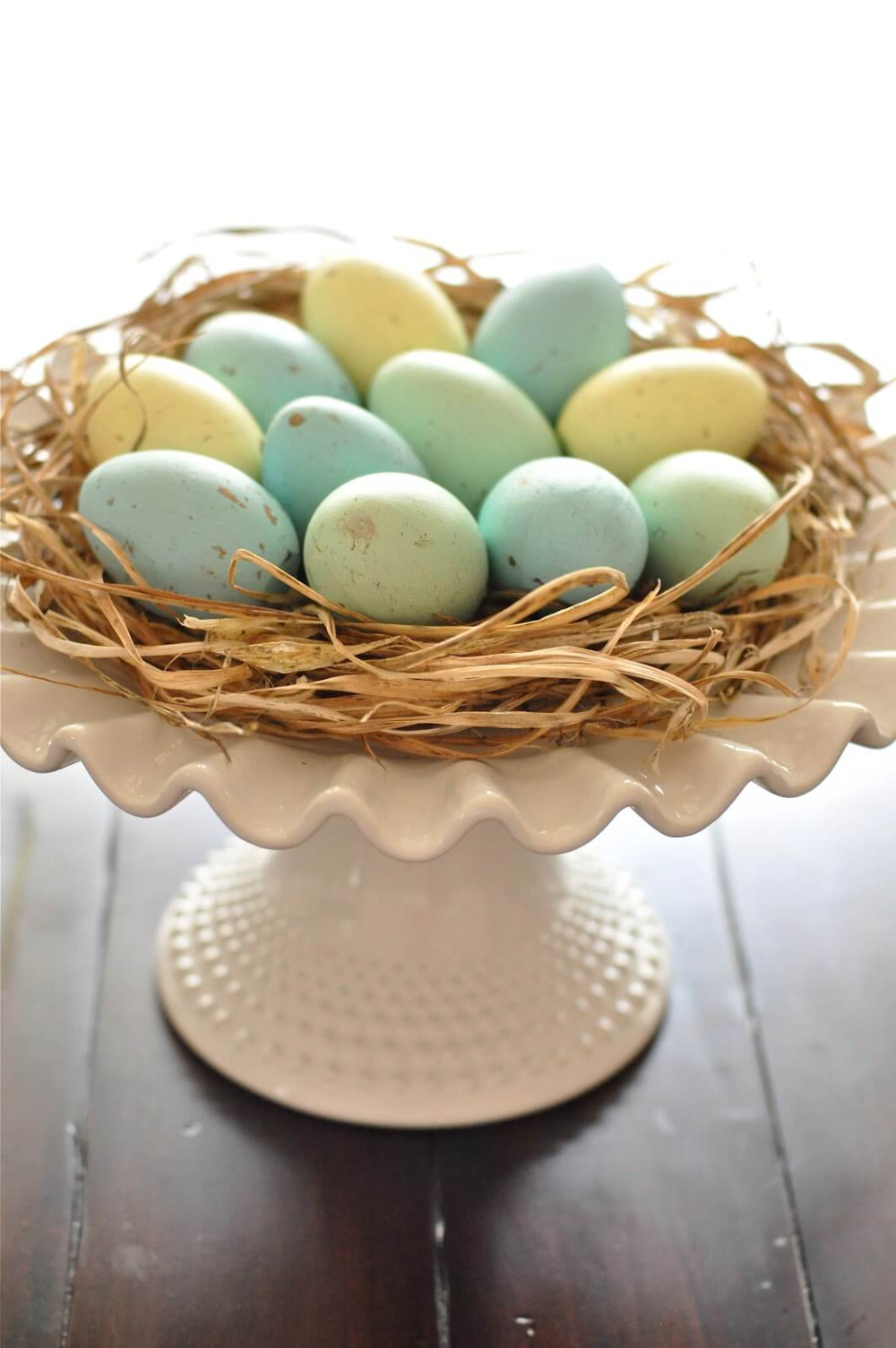 27 Best DIY Easter Centerpieces (Ideas and Designs) for 2020