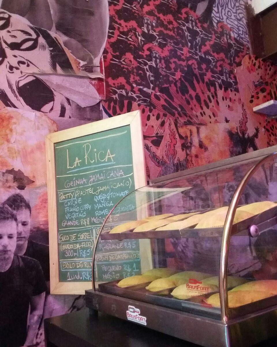 #Patties #LaRica #riodejaneiro #gamboa #rio2016 #jamaicanfood #jamaica by teepolion