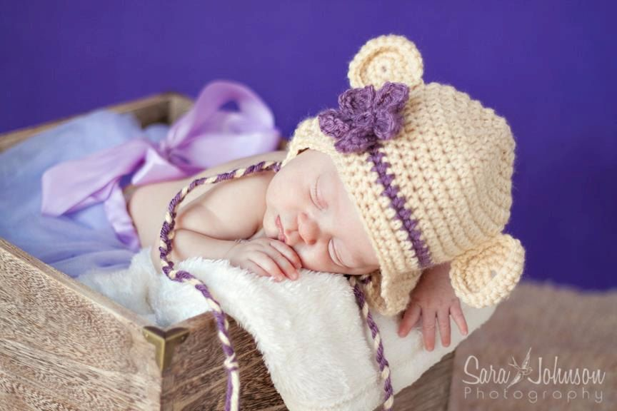 AWWW !!   Baby Bear Hat via Etsy.