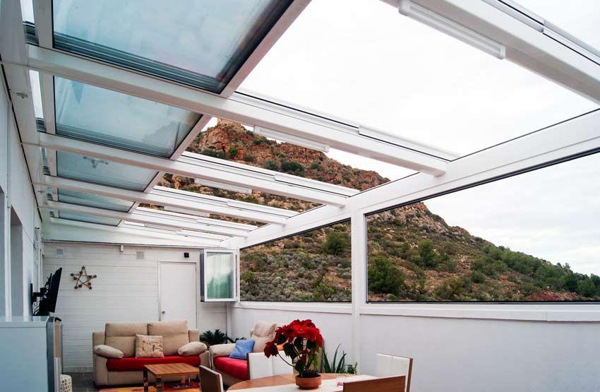 Cerramiento de una terraza tico con techos m viles y - Techar terraza atico ...