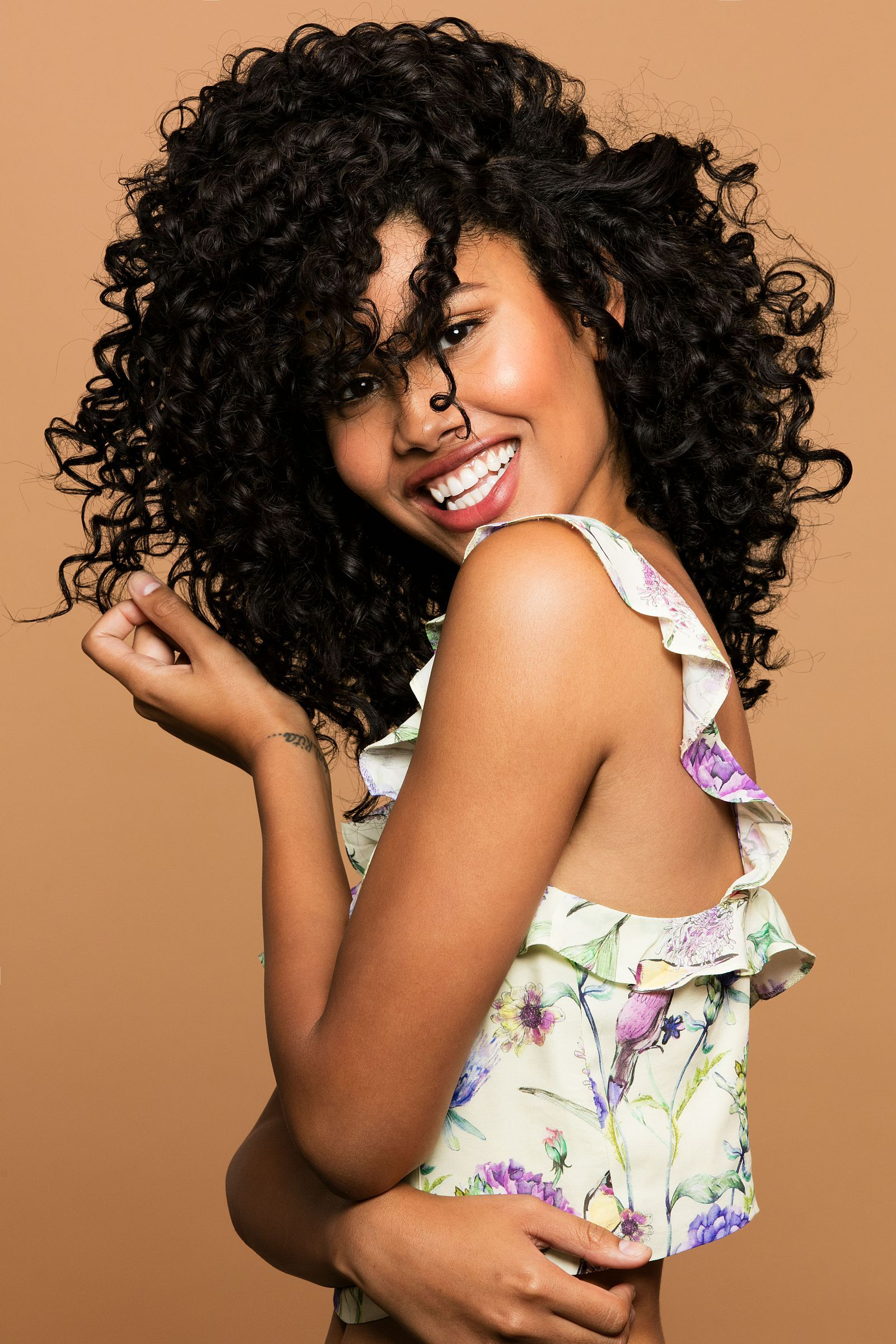 easy ways to style textured curly or wavy hair curly