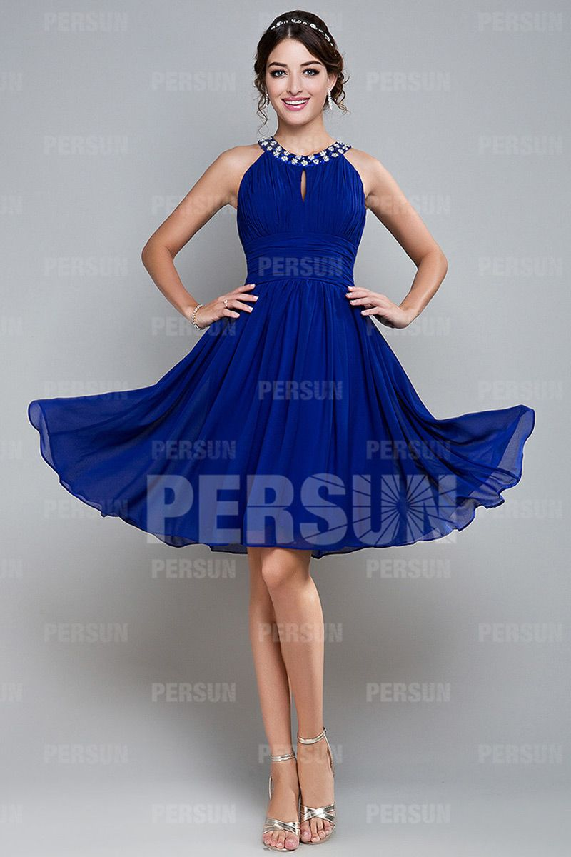 Robe de bal courte bleue ruchée avec bretelle autour du cou robe