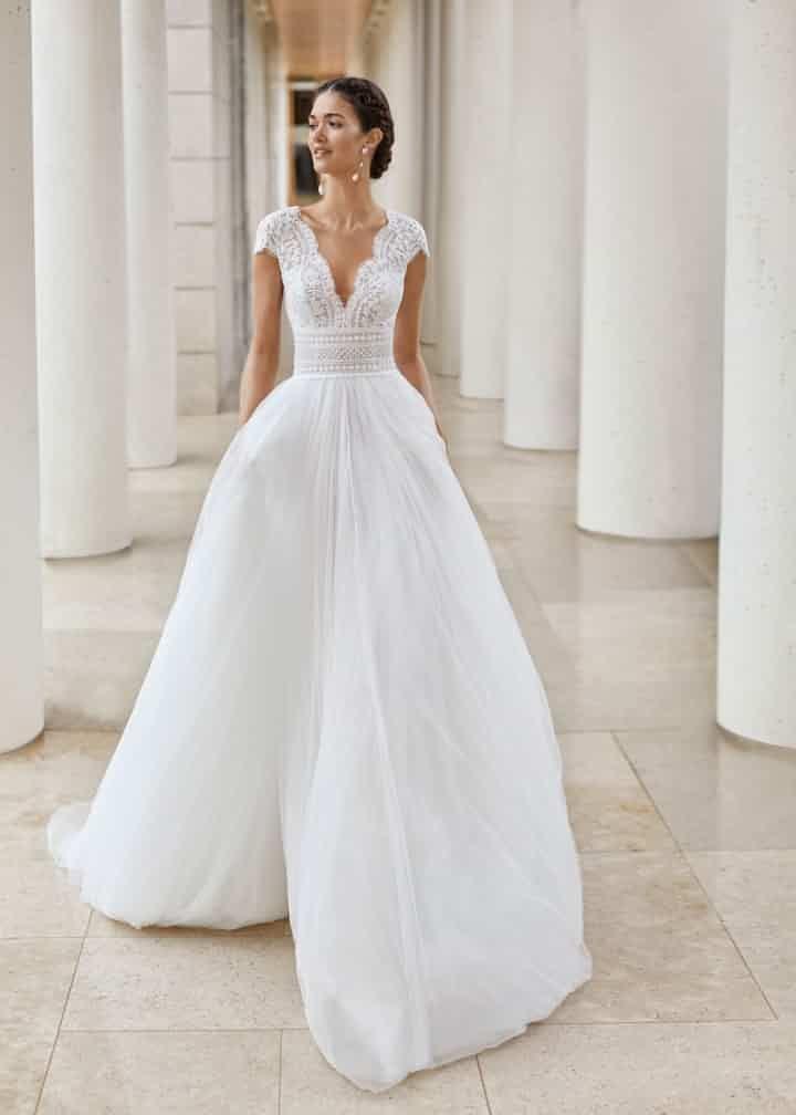 Robes De Mariee Sur Rosa Clara Sauca Mariages Net Robe Mariage Boheme Chic Mariee Princesse Robe Mariee Boheme