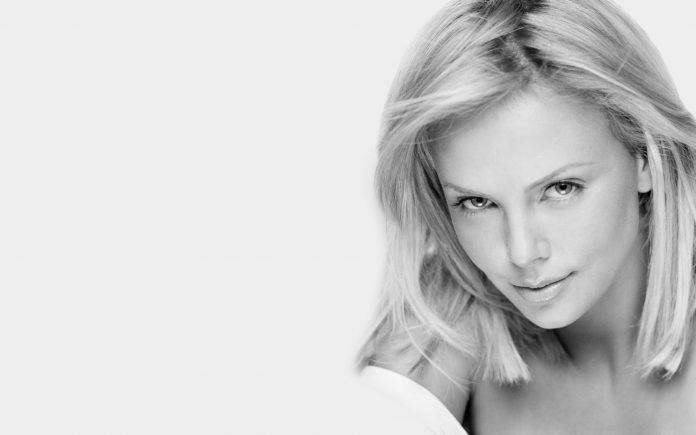 Charlize Theron White And Black Wallpaper Hd Wallpapers Free