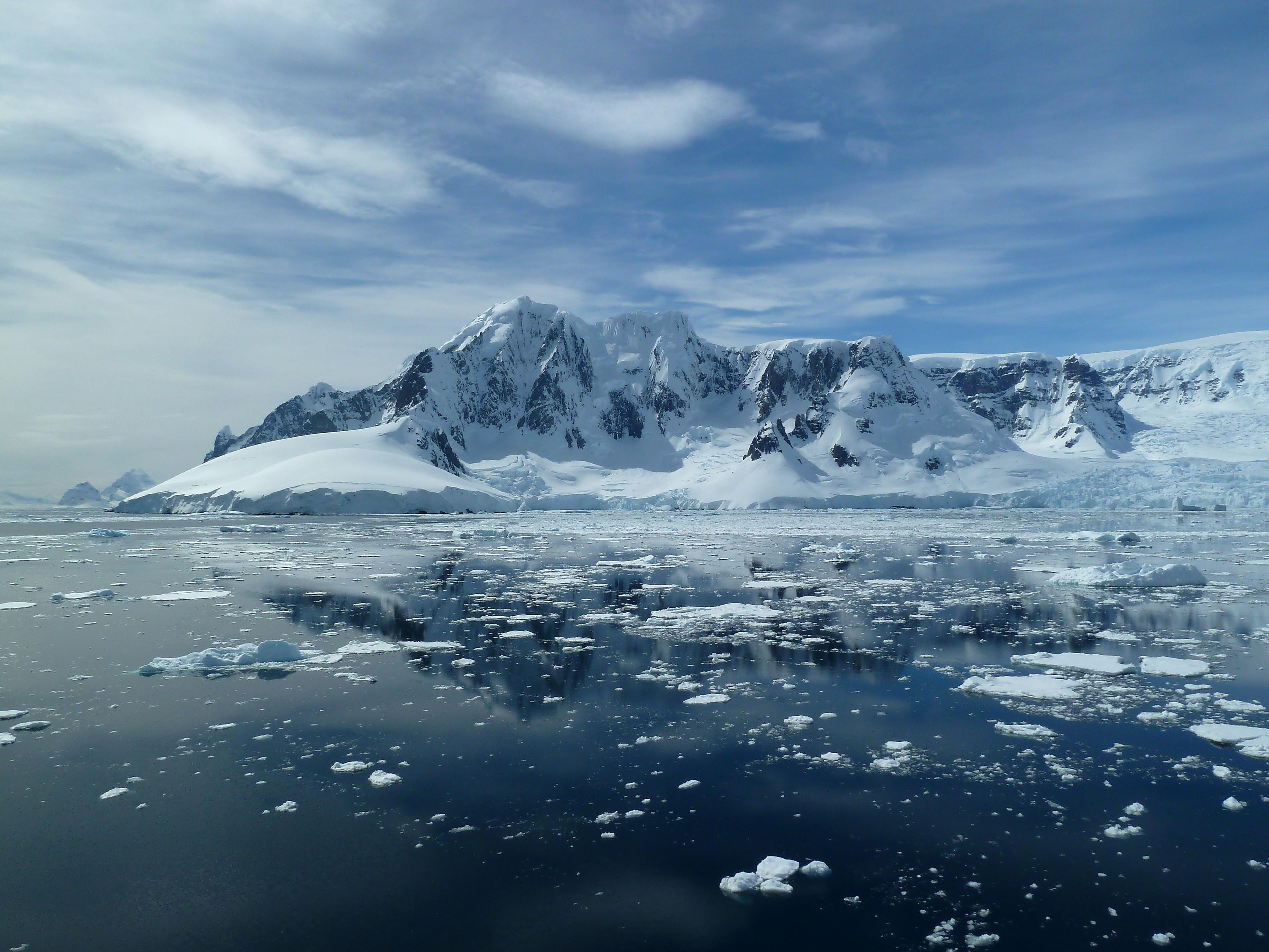 A sunny day on Antarctica.