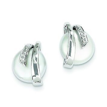 14k White Gold Polished White Coin Pearl 0 03Ct Diamond Stud Post Earrings