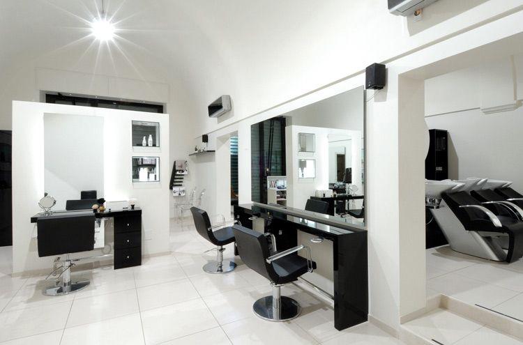 Acconciature michela bari italy salone manufacturer for Grande arredo mobili bari