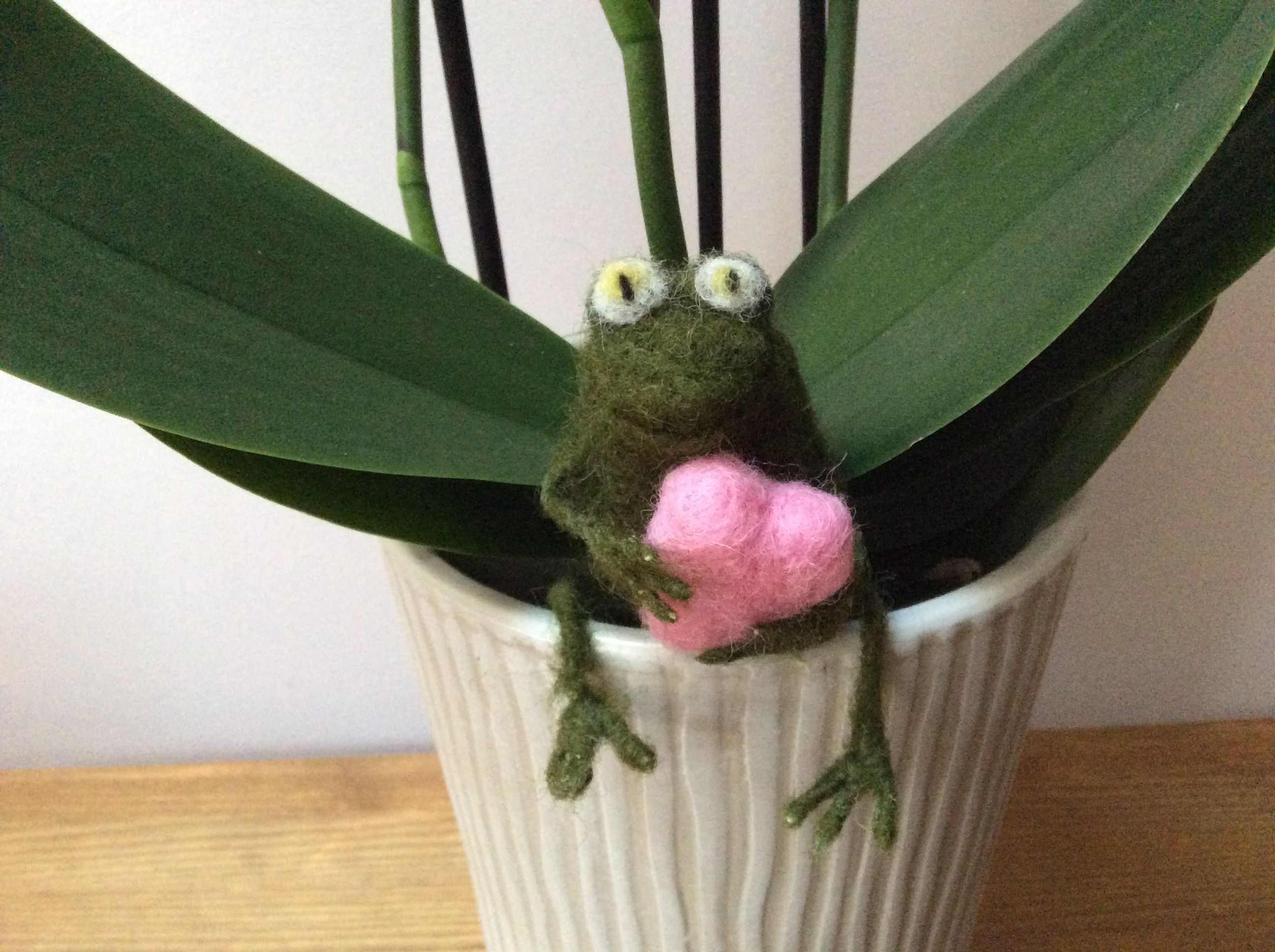 Needle Felted Valentine Frog Handmade by Tess