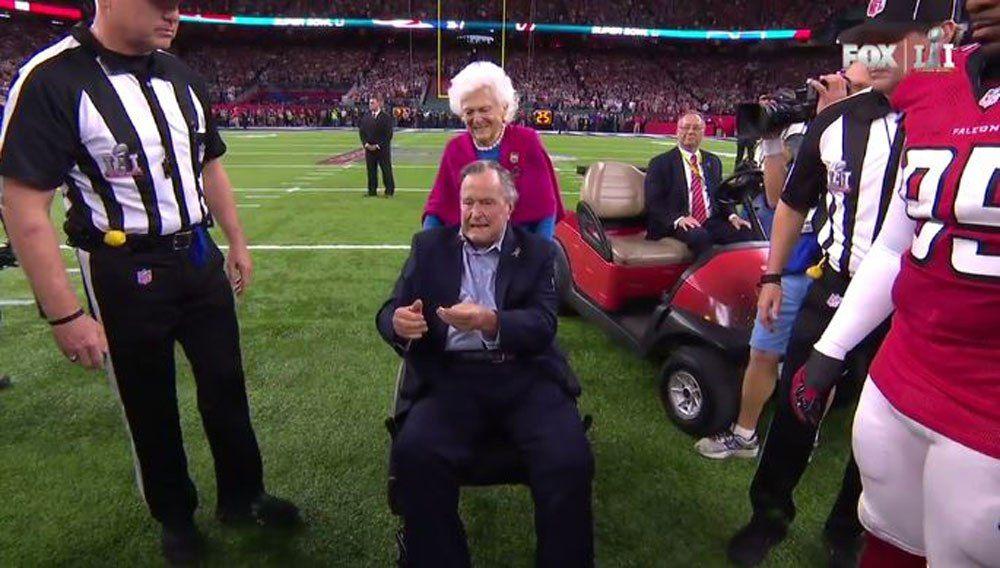 President George H.W. Bush and wife Barbara Bush took center field  for coin flip at Super Bowl LI.