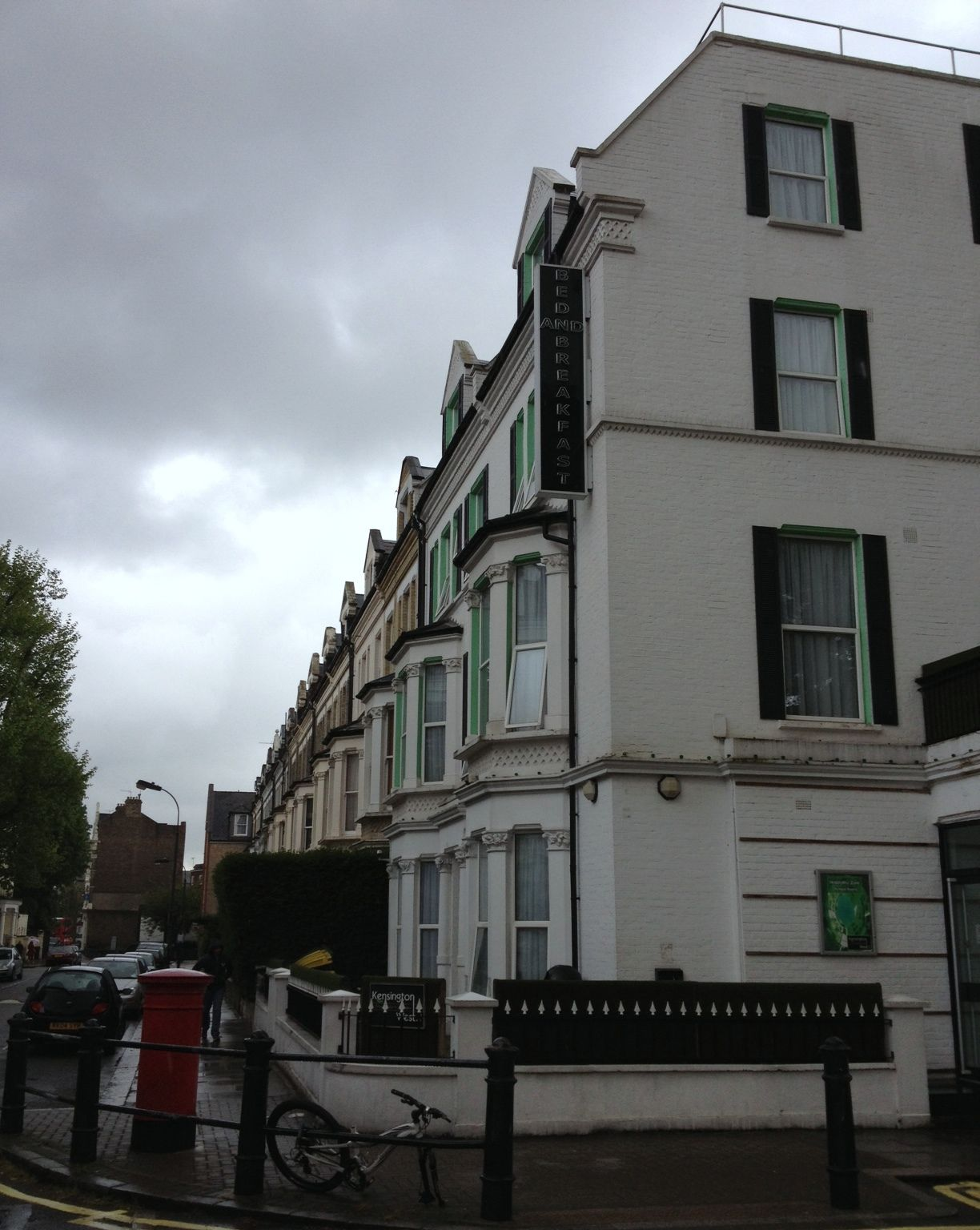 West Kensington Hotel London Basic Low Budget Good Location Small