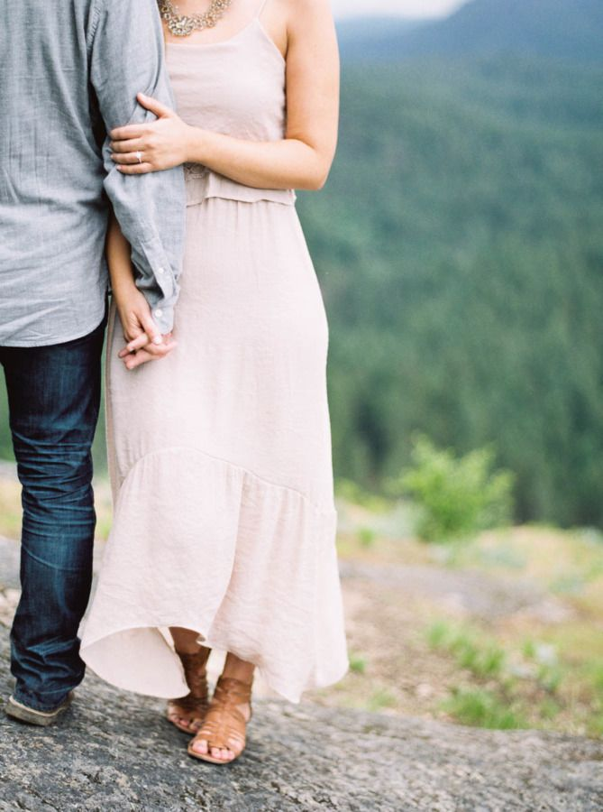 A sweet engagement dress: http://www.stylemepretty.com/2015/08/12/rustic-romantic-oregon-engagement-session/ | Photography: Maria Lamb - http://marialamb.co/