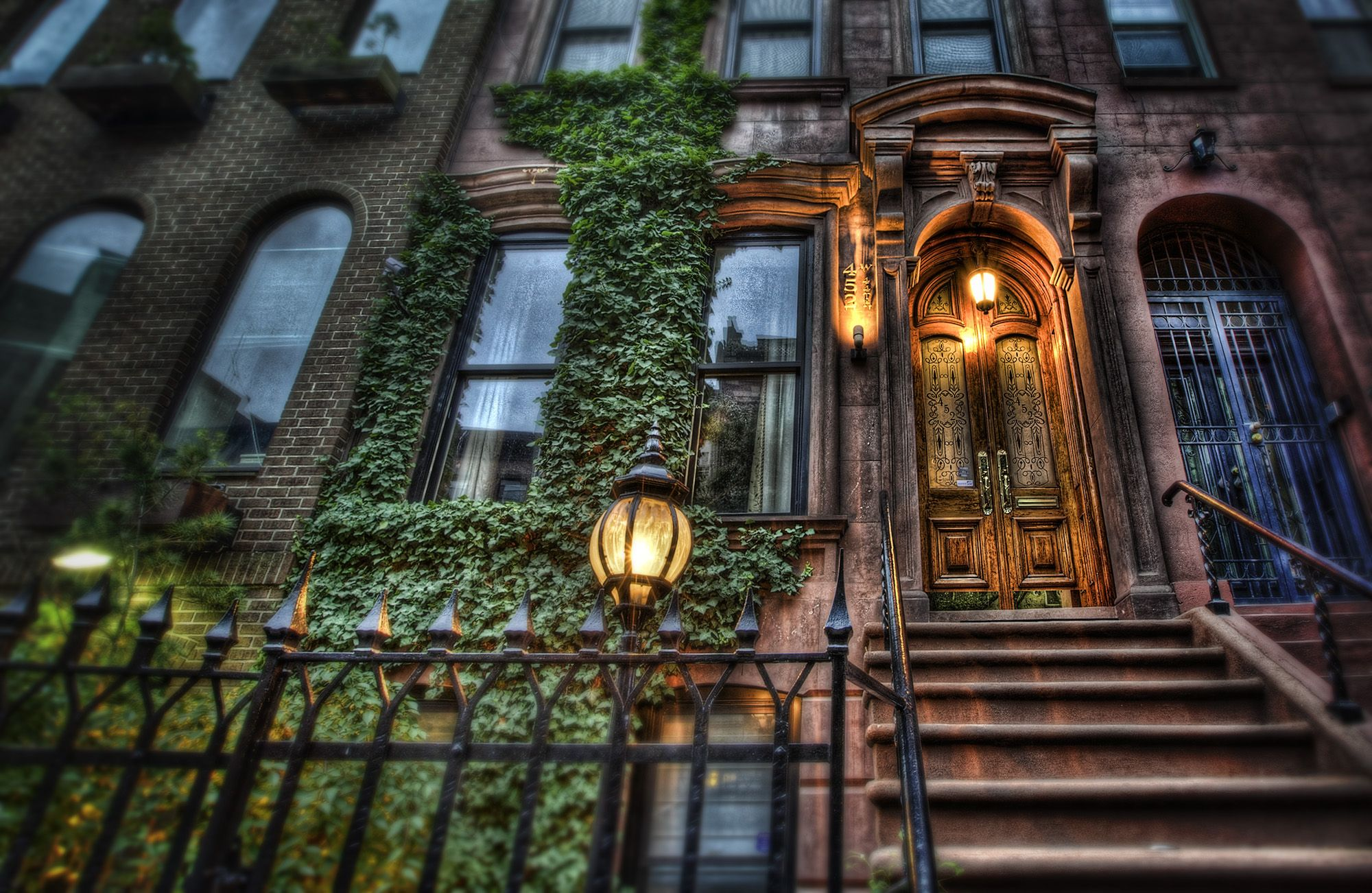 Ummm... can we say dream home? A beautiful, cozy brownstone! I ...