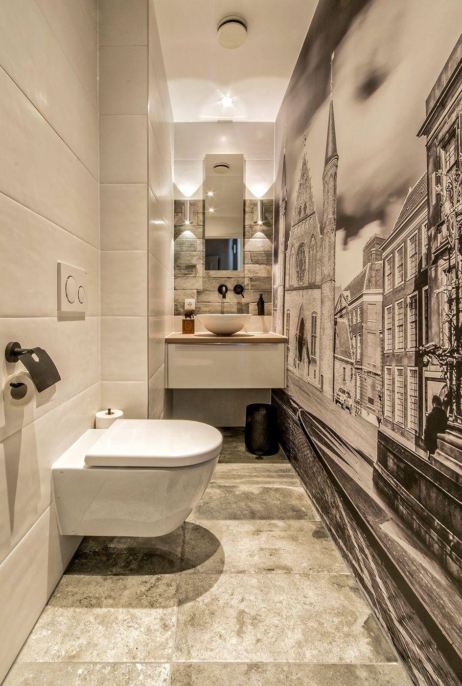 Badkamer Compleet Den Haag.Complete Toilet Renovatie Met Fotobehang Uit 1 Stuk Den Haag
