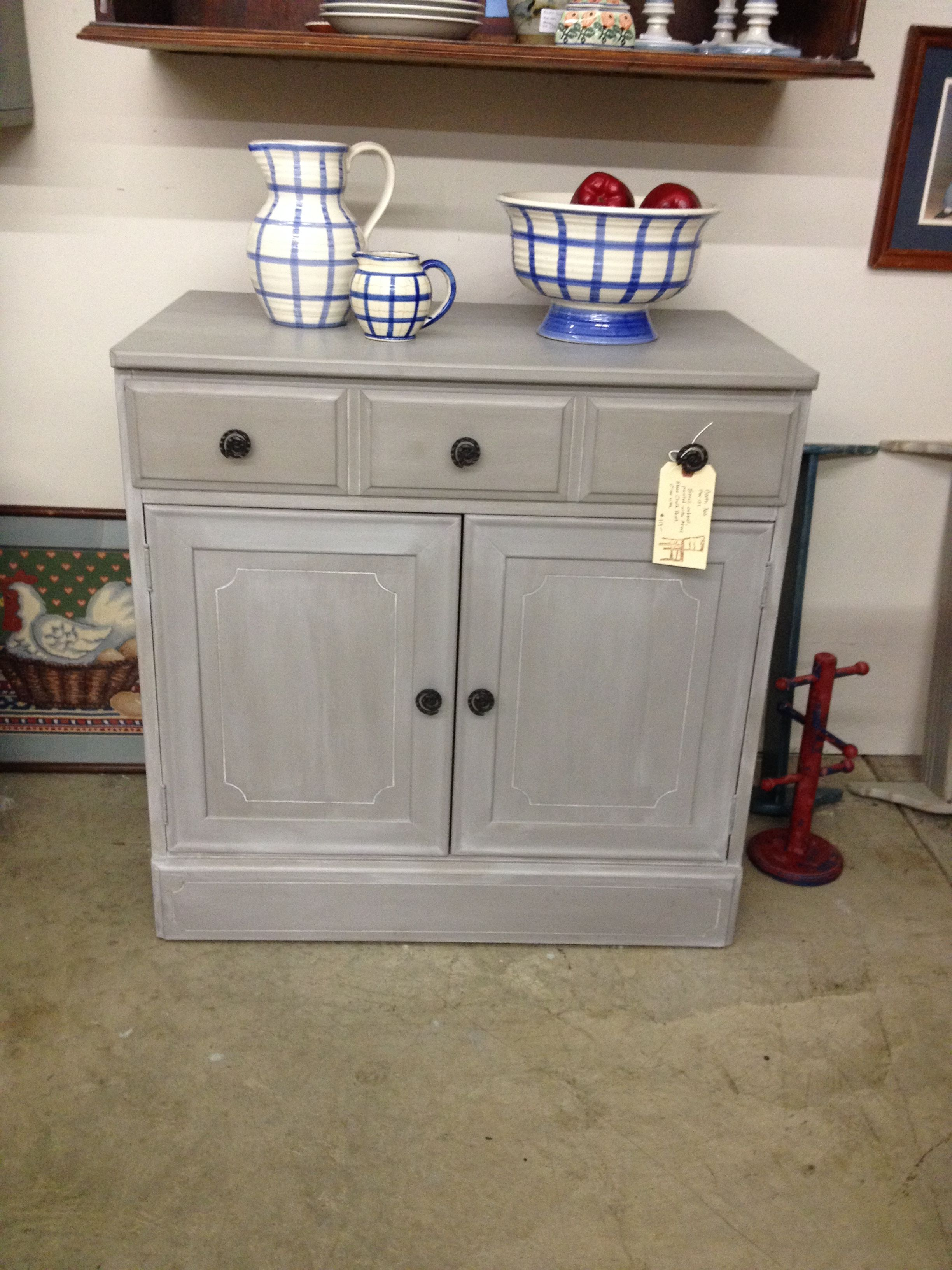 Small cabinet painted with Annie Sloan Chalk Paint (French ...