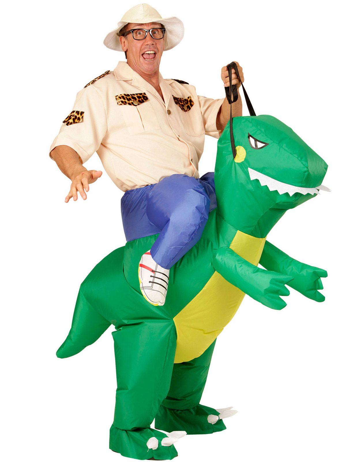 2dc48b4af604a4 Déguisement explorateur à dos de dinosaure adulte   Ce déguisement  d explorateur à dos de