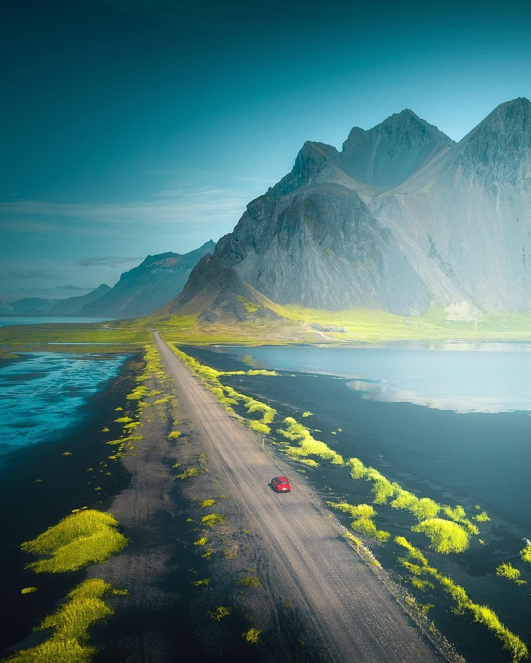 On the roads of Iceland (credit to cumacevikphoto)