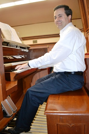 """""""I've been playing the organ for about 20 years now . . .and have been a happy wearer of OrganMaster shoes the whole time."""" - Church Organist in Utah"""