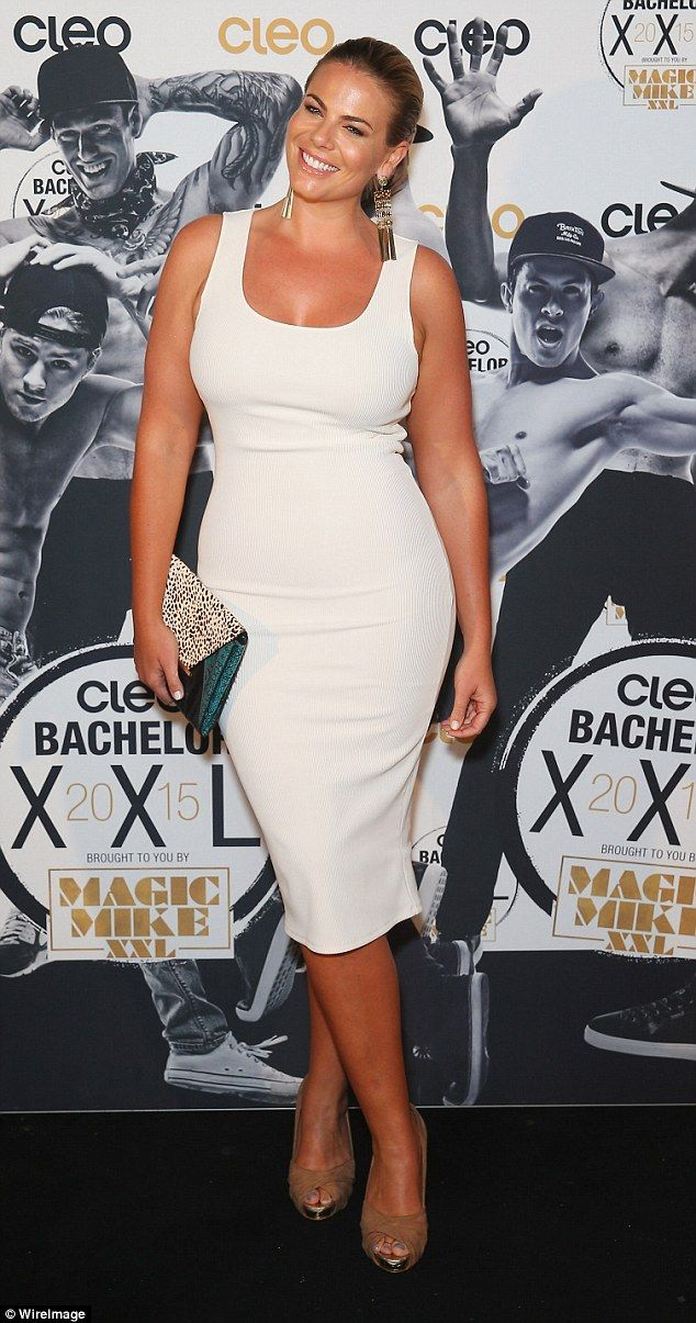 Fiona Falkiner shows off her hourglass figure at Cleo Bachelor Party ...