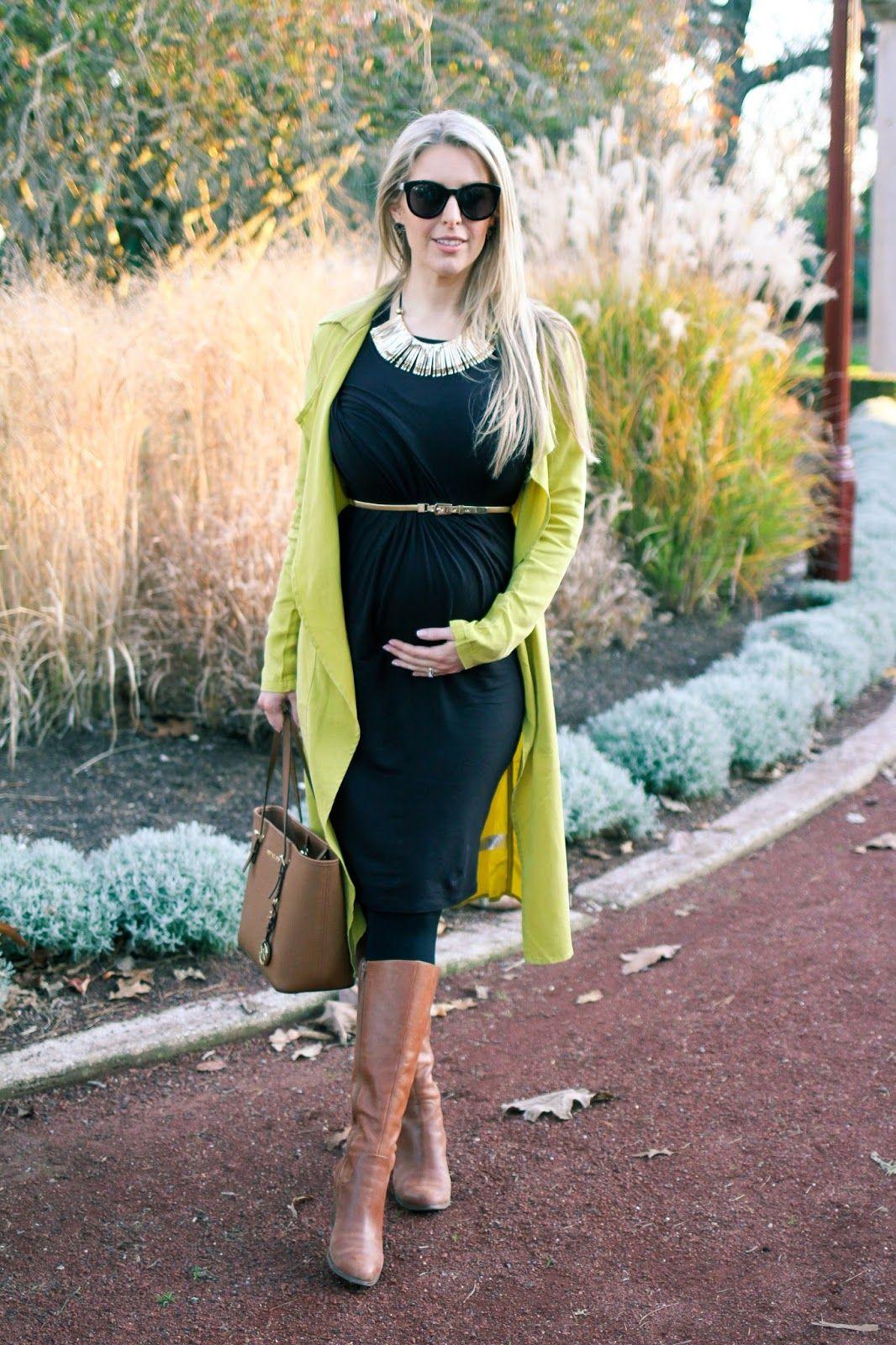 The goldfields girl styling maternity fashion she wears black