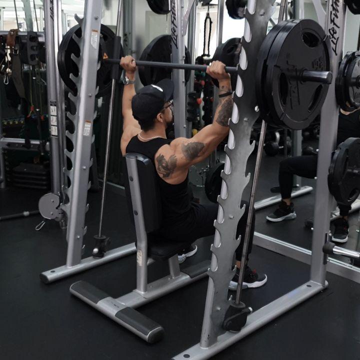 #FITNESSLIFE #FITNESSMOTIVATION #instavideo #workout #fitboy #SIEMPREFUERTE #shoulderworkout  SIEMPR...