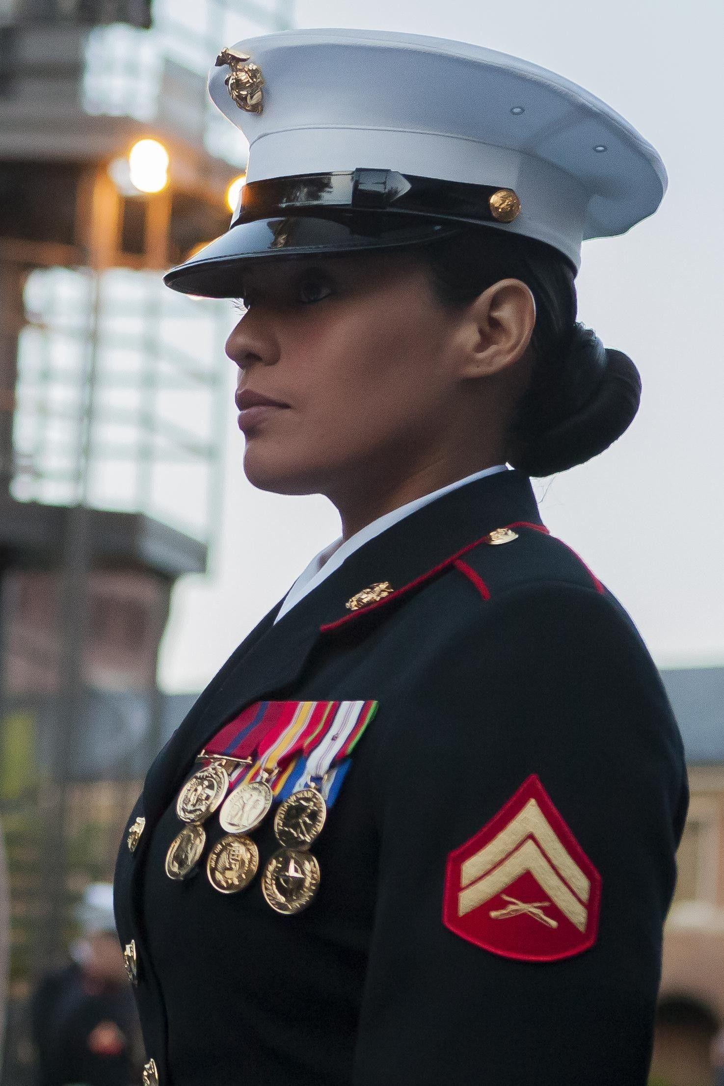Build Your Own Uniform Style Dorawang Blog Female Marines Military Women Military Girl [ 2213 x 1475 Pixel ]