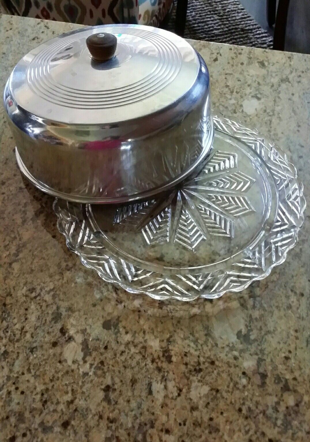Federal glass snowflake pattern 3 footed cake plate with