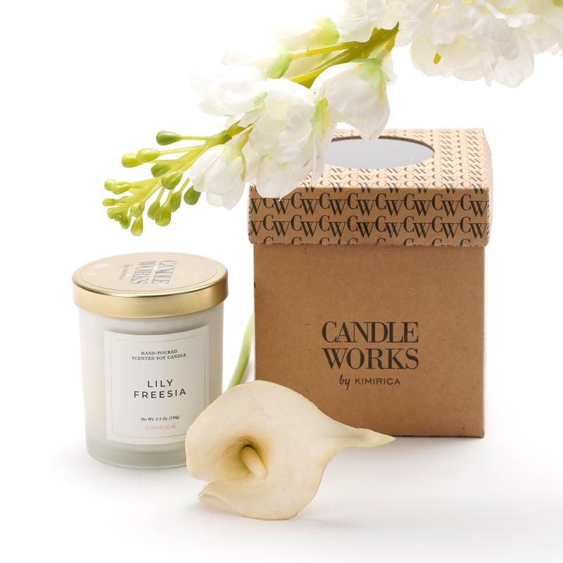 A Cheerful Bouquet Of Peppery Zing And Floral Freshness With A Delicious Aroma That Radiates For A Longer T Soy Candles Lily Bath Body