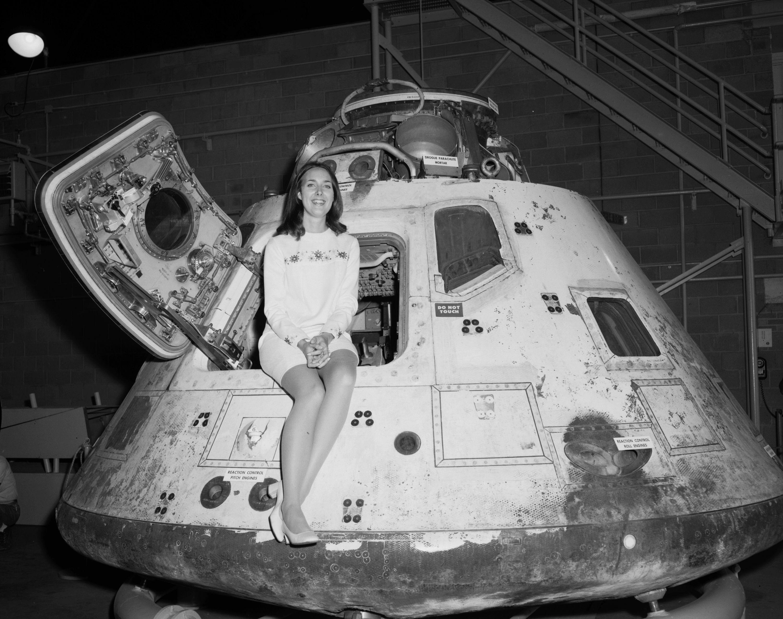 Miss Nasa | • Old Days in Black & White • | Apollo space ...