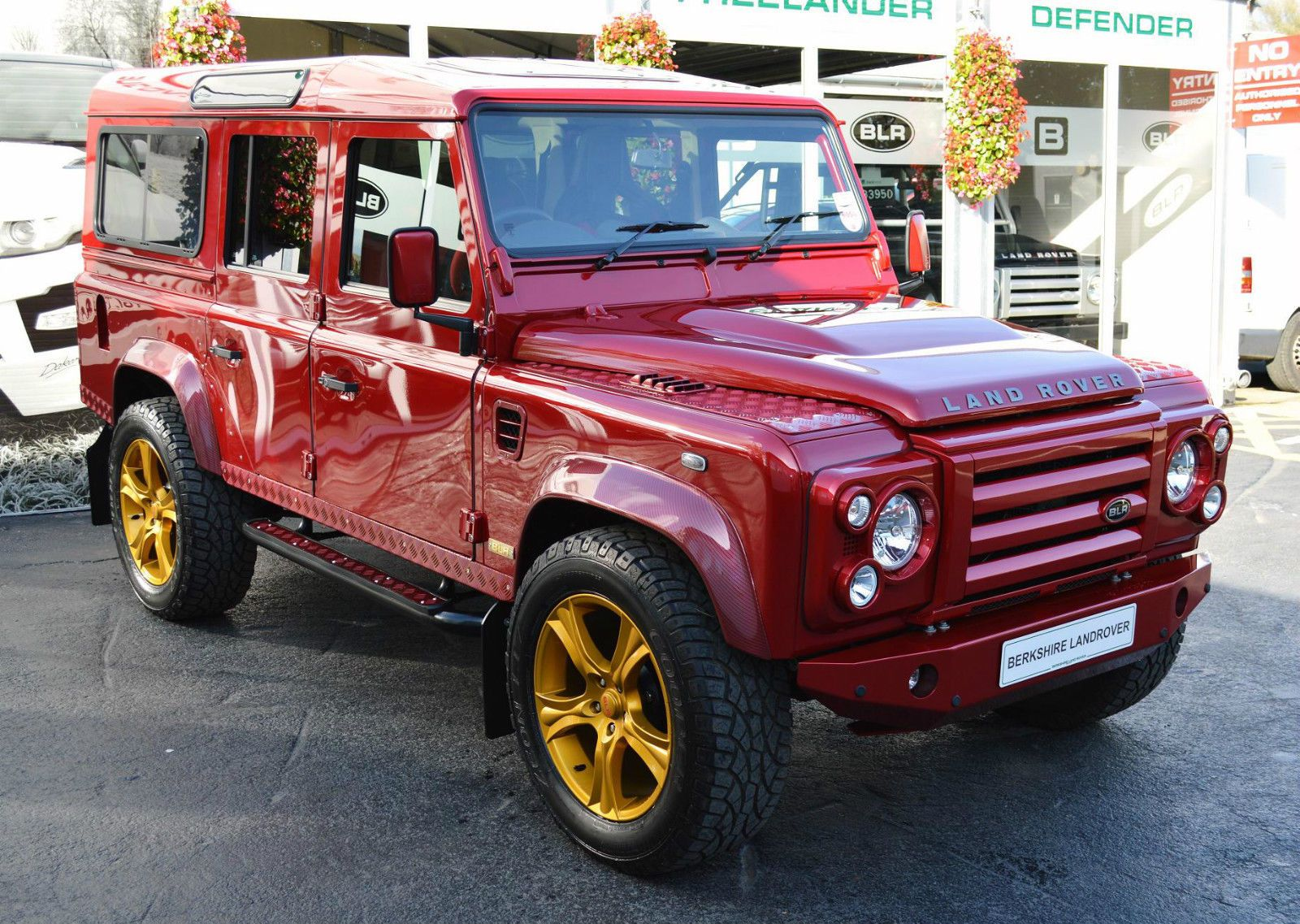 2013 Land Rover Defender 110 2 2tdci Automatic Land Rover Defender Land Rover Land Rover Defender 110