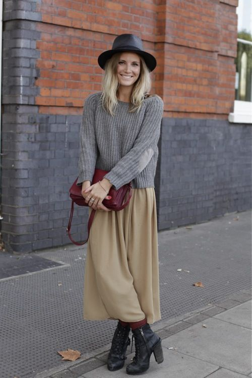 reminds me of the style I had in High School. I wonder if I could pull off  this length of skirt - so comfortable. 977fb6d99695b