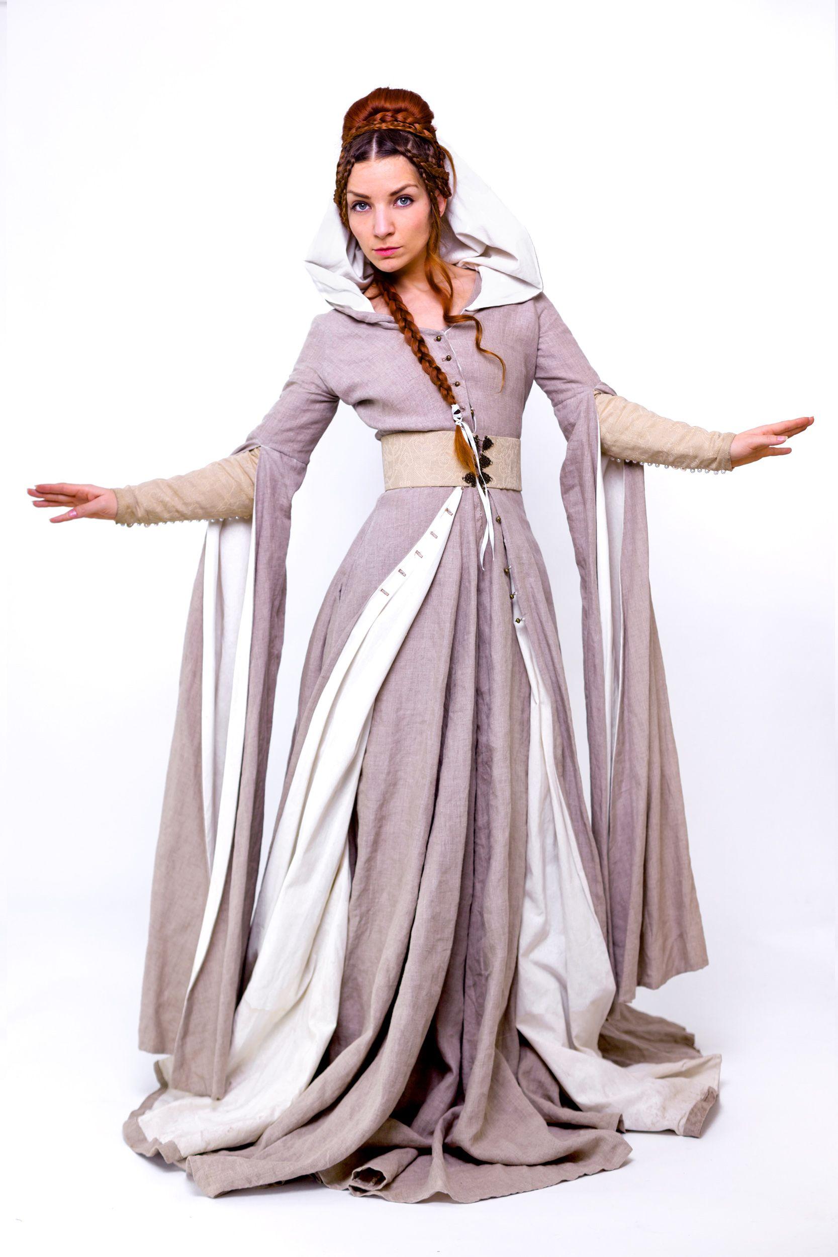 """Herrin der Nebel"""" Dieses Mittelalter/ Fantasy Kleid verleiht jeder ..."""