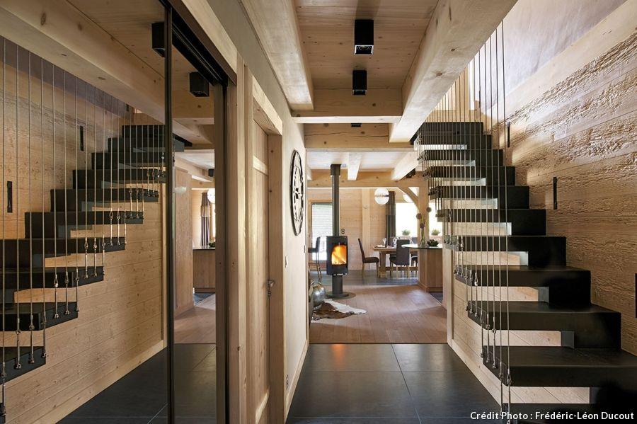 L\'Inarpa, un chalet revisité | Escaliers contemporains, Étages et ...