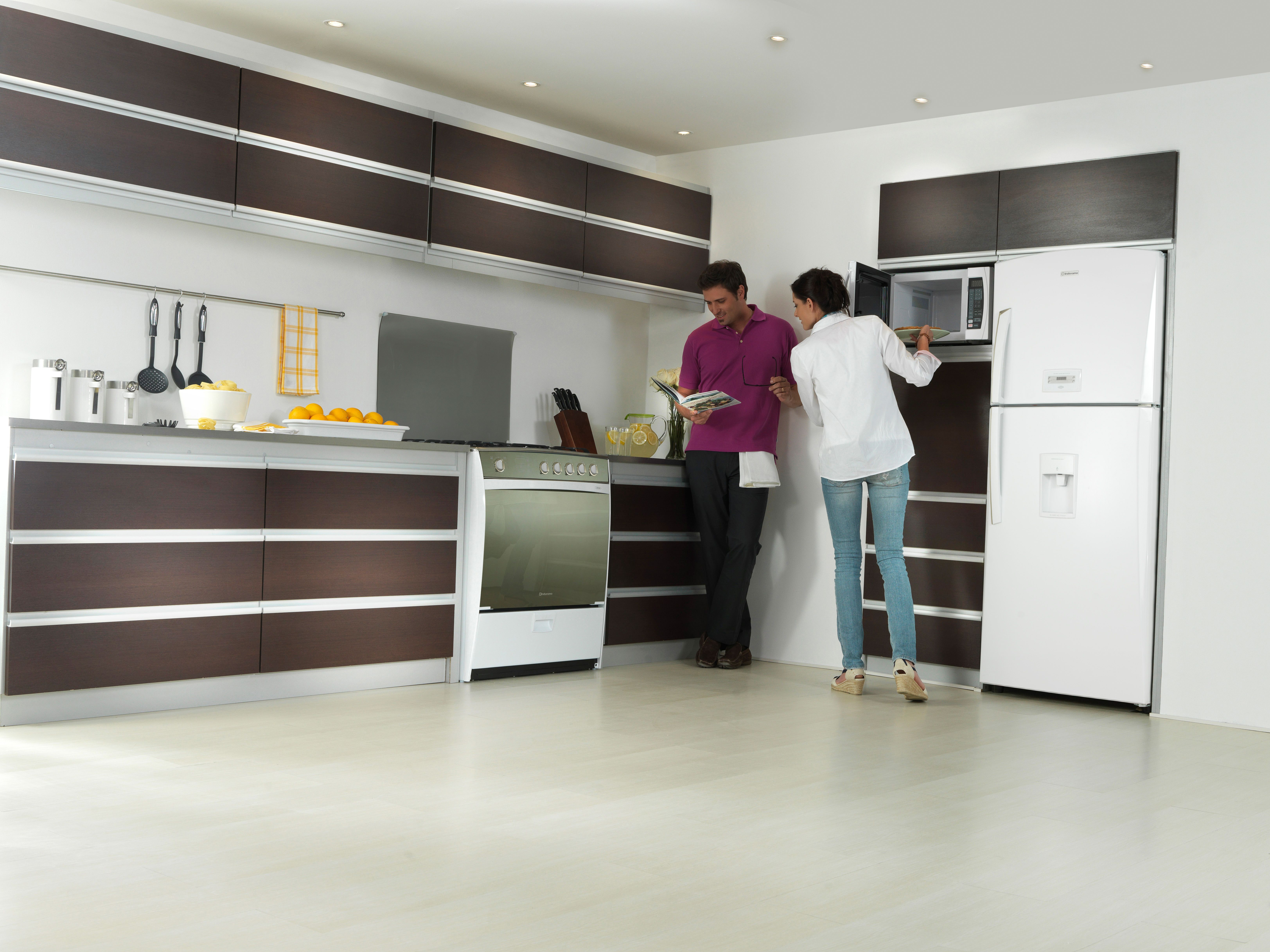 Cocina Genova Quarzo Horno Microondas Refrigeradora Ri 585  ~ Microondas Con Campana Extractora