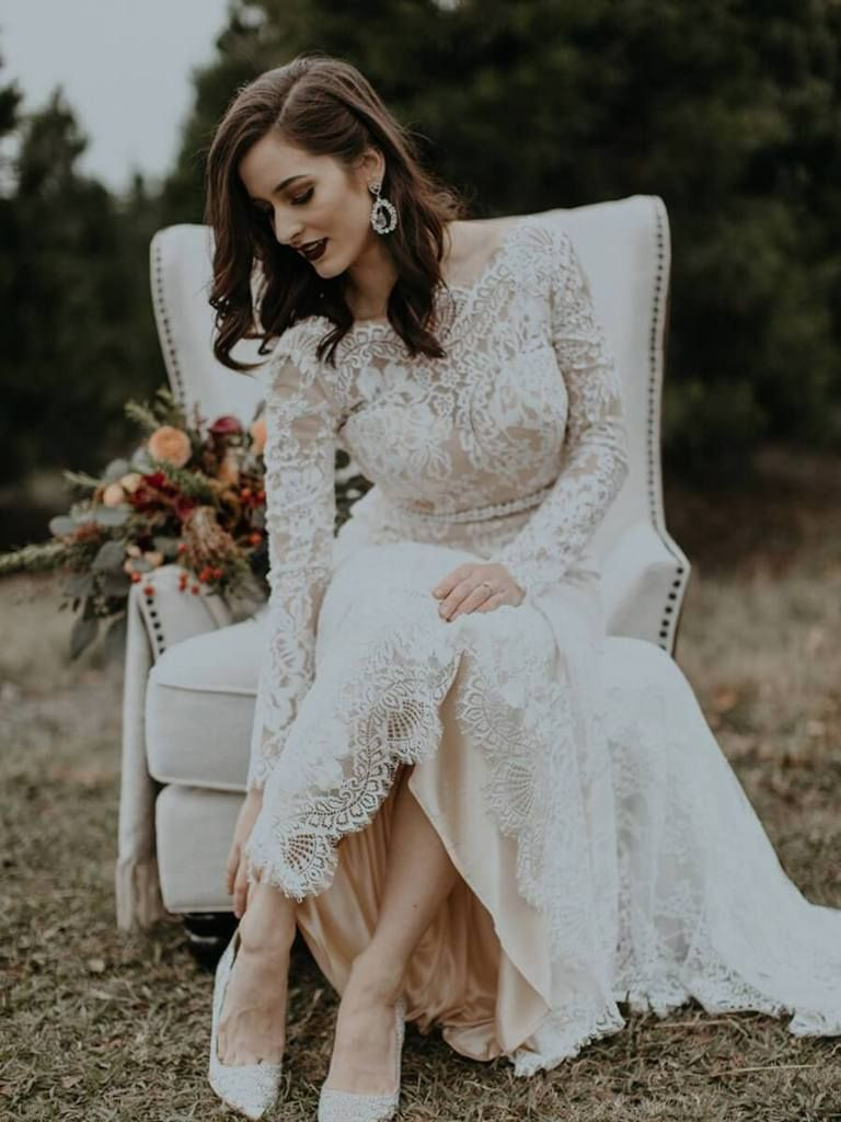 Long Sleeve Vintage Wedding Dresses Backless Rustic Lace Wedding
