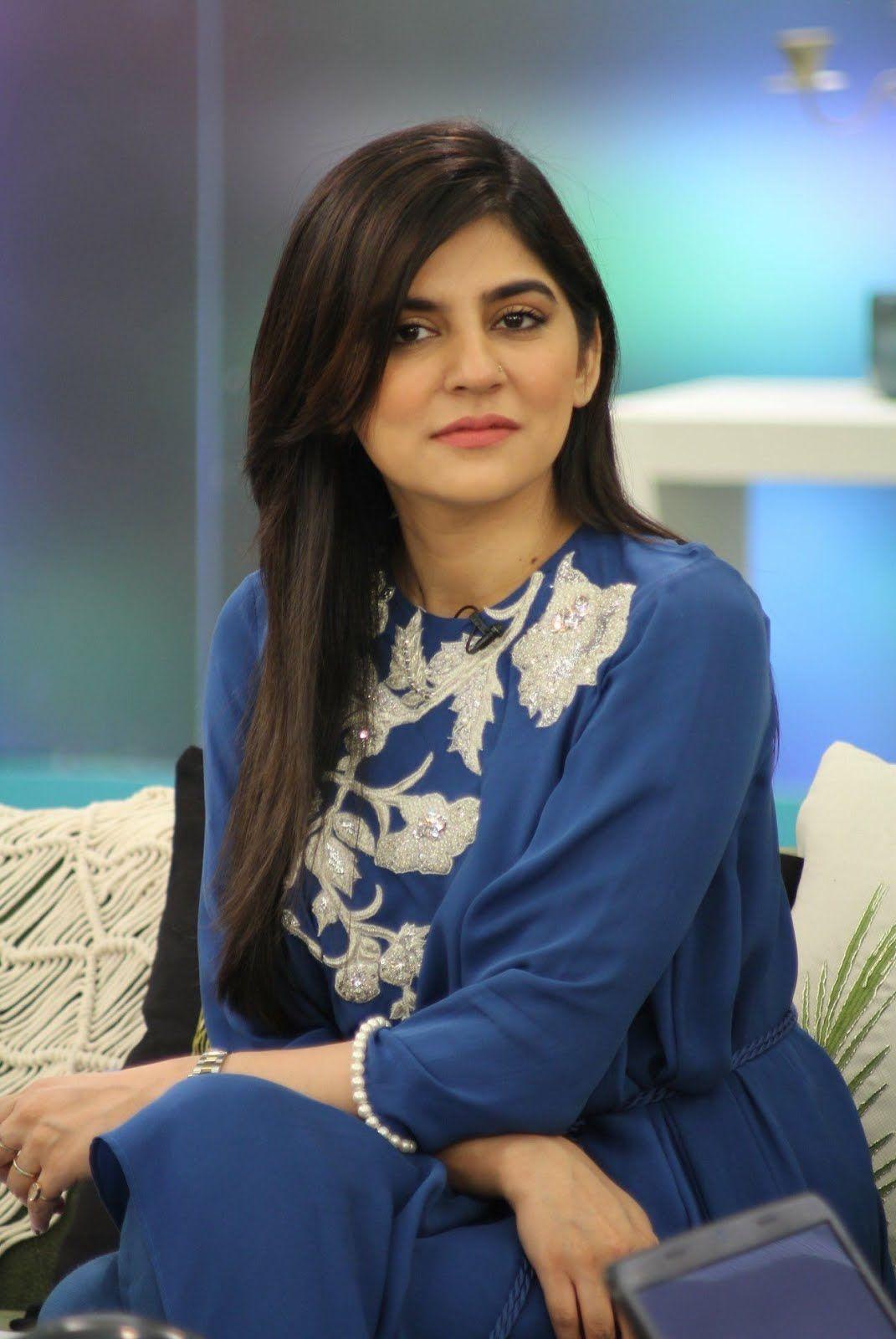 Top 10 Most Followed Hottest Pakistani Celebrities On -7510
